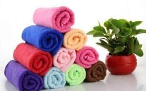 toallas de microfibras enrolladas