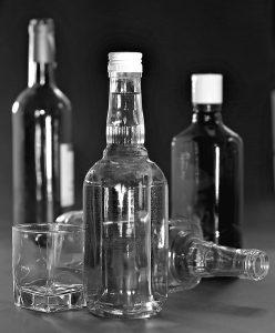 varias botellas de vodka