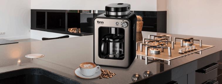 cafetera con molinillo moderno