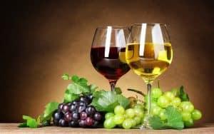 vino blanco y tinto