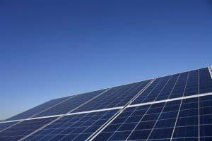 varias placas solares