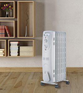 radiador de aceite en una habitación