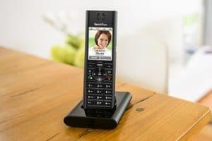 teléfono fijo con pantalla a color