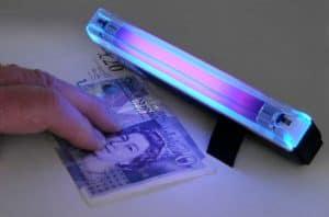 lámpara de luz UV para billetes