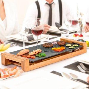 plancha de cocina con base de madera