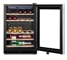 vinoteca eléctrica con botellas de vino