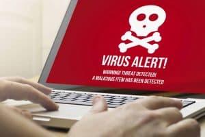 ordenador con virus