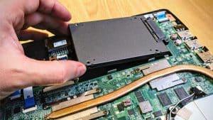 poner un disco duro SSD