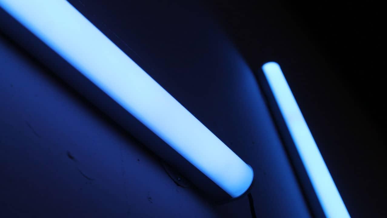 varias lámparas de luz UV