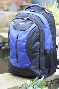 mochila para portátil azul