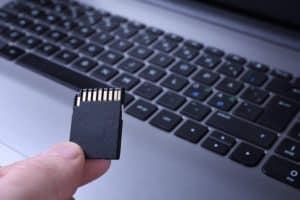 tarjeta de memoria y ordenador