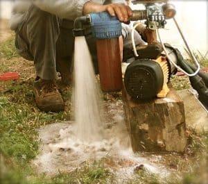 bomba de agua en funcionamiento