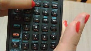 teclado de una calculadora financiera