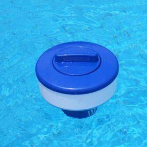 tratar el agua de una piscina