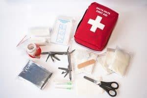 botiquín de primeros auxilios y su contenido