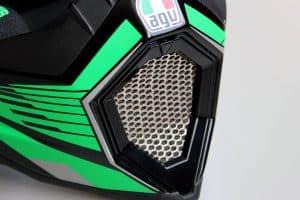 ventilación de un casco de motocross