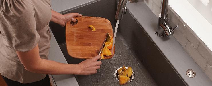 fregadero con trituradora de fregadero