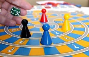 juego de mesa para niños con fichas y dado